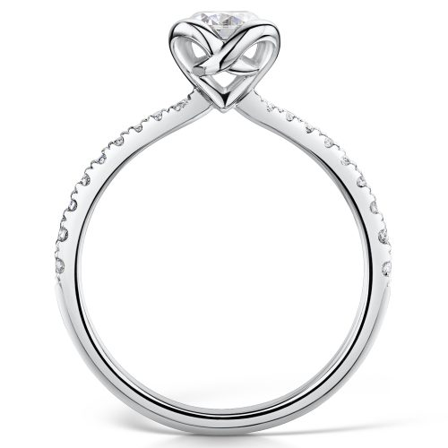 Solitaire Diamond Ring Round Brilliant Cut Scallop Set With Diamonds on edges